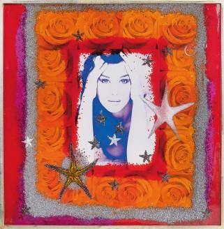305-OMAR RONDA [Portula (BI) 11/09/1947 - Biella 07/12/2017]Frozen Monica, 2006plastic + foto 100x100 cm, firma, titolo a anno al retro, dichiarazione d'autenticità e archivio dell'artista su foto, certificato di archiviazione opere di Omar Ronda su foto.base d'asta: 1.500 €stima: 10.000/12.000 €