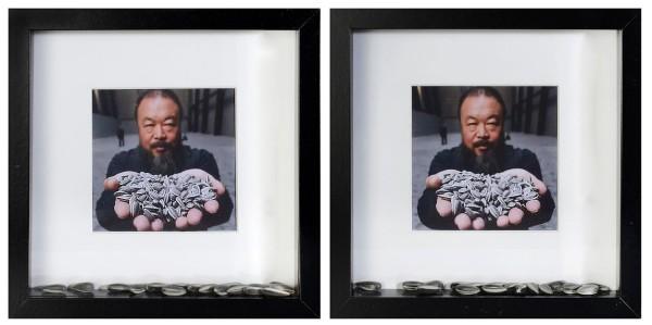 128-AI WEIWEI [Beijing (Cina) 28/08/1957]Sunflower seeds, 2010dittico di fotografie a colori e semi di girasole in porcellana dipinta entro 2 cornici 25,5x25 cm cadauna, semi provenienti dall'installazione omonima presso la Turbine Hall della Tate Modern London.senza riservastima: 1.000/2.000 €