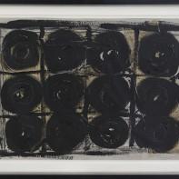 49- JANNIS KOUNELLIS [Pireo (Grecia) 23/03/1936 - Roma 16/02/2017] Senza titolo, 1999 tecnica mista (catrame e garze) su cartone 47,5x67 cm, firma, titolo e località (Roma) in basso a destra e al retro, dichiarazione d'autenticità dell'artista su foto. base d'asta: 8.000 € stima: 14.000/16.000 €
